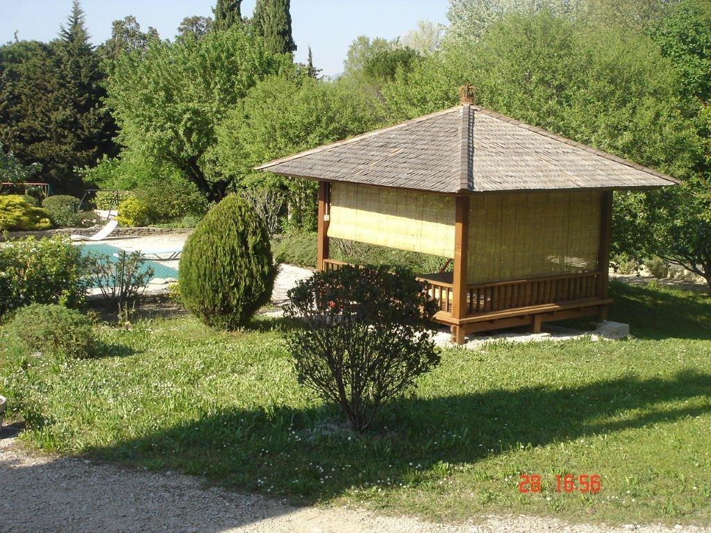Gazebo construction maison bois en kit for Abri de jardin martinique