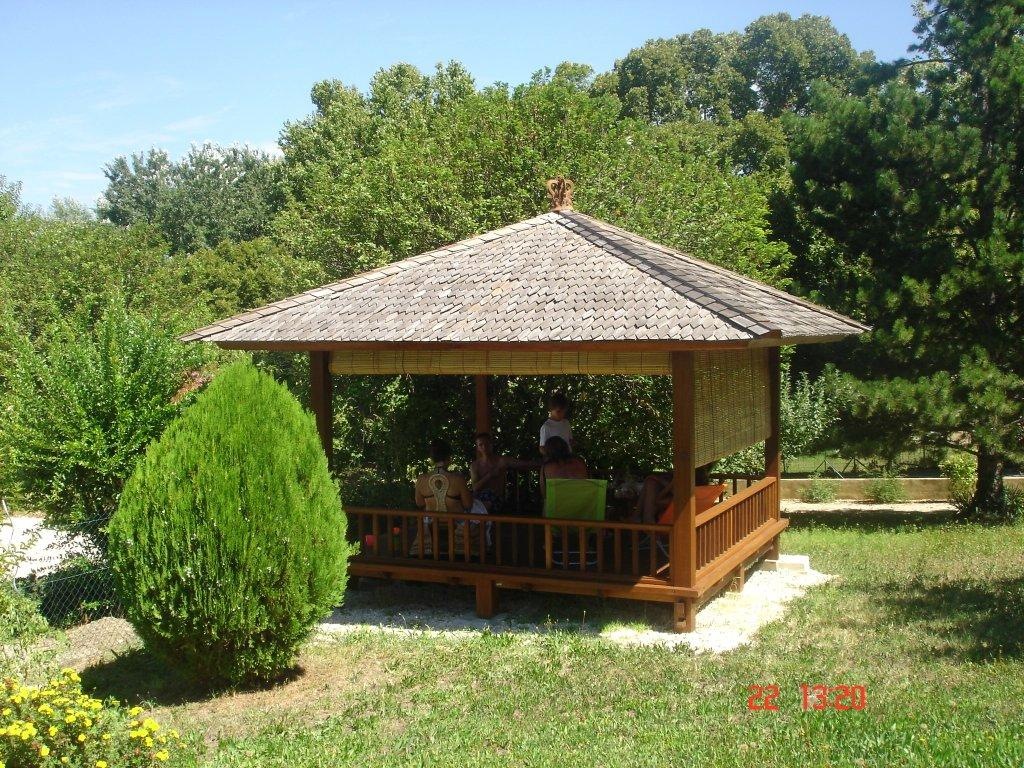 gazebo construction maison bois en kit. Black Bedroom Furniture Sets. Home Design Ideas