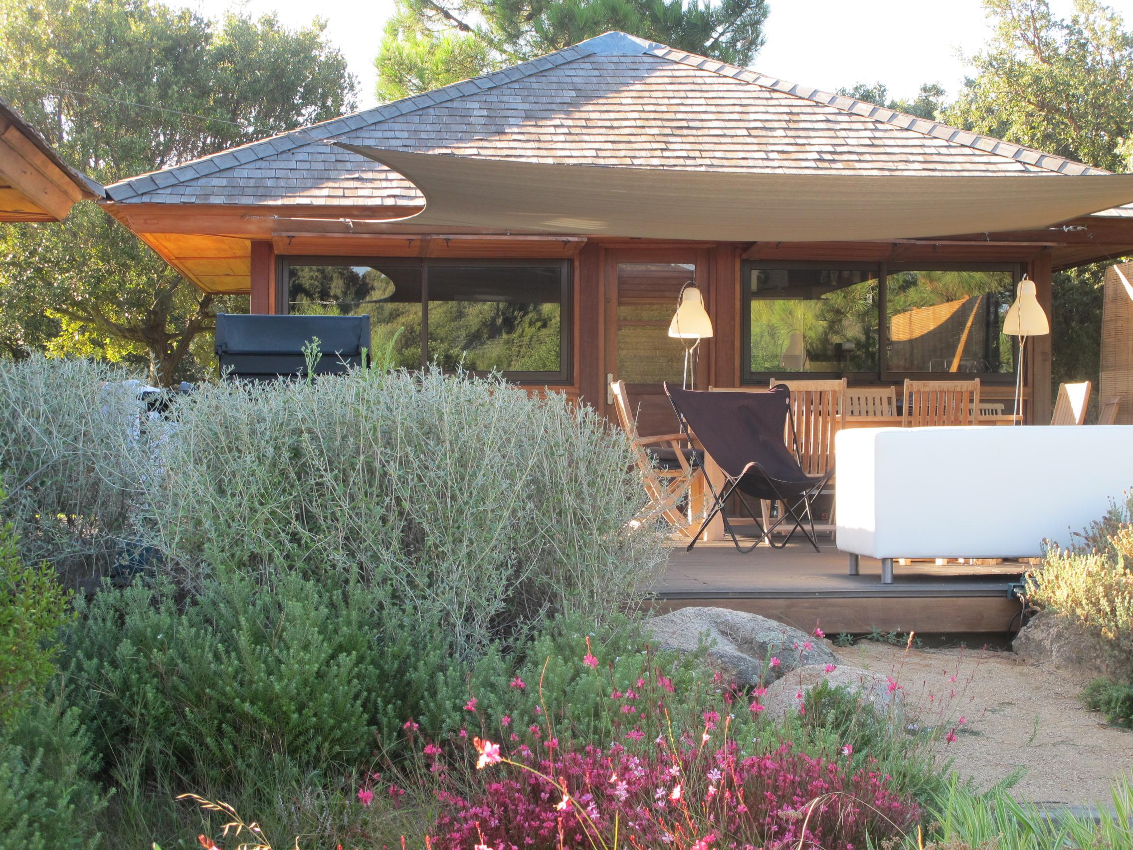 Cottage bungalows pavillons bois en kit avec mobiteck for Container maison 974